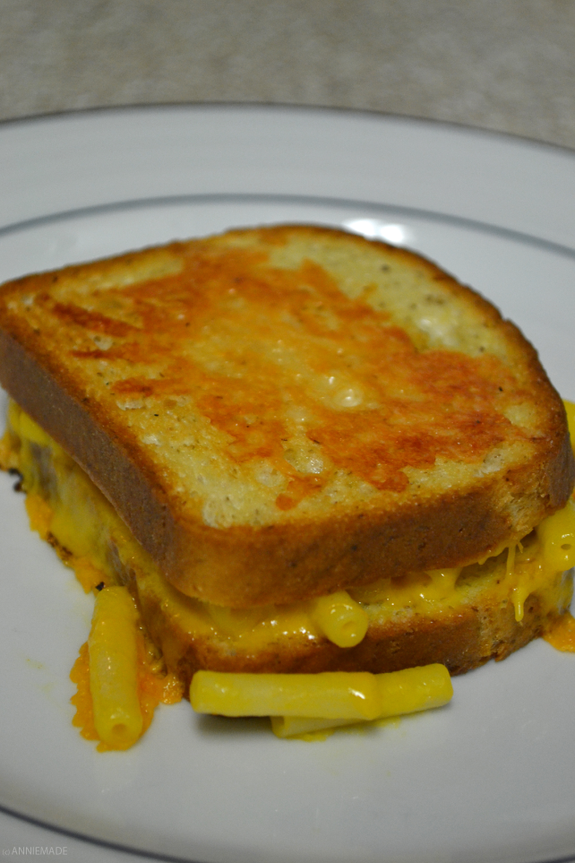 anniemade // Gluten-Free Grilled Cheese Mac n Cheese - super easy to make with cookie sheets!!