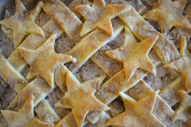 anniemade // Gluten-free Apple Slab Pie with Pie Crust Stars - the easiest way to serve pie to your guests!
