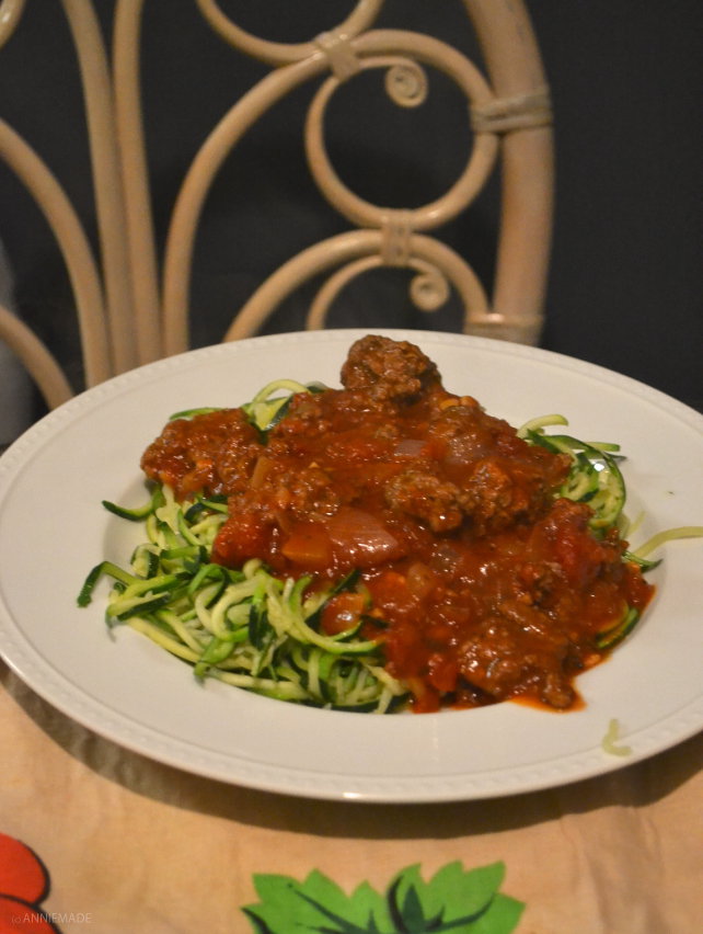 anniemade // Recipe for Zoodles (Zucchini Noodles) and Meat Sauce // Gluten free, low carb, and om nom nom
