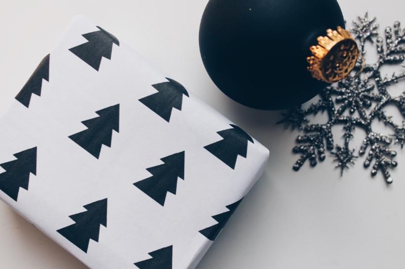 gorgeous printable gift wrap & tags- Revamp Amor Design