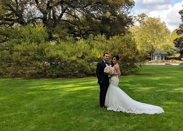 💜💜 . . #houstonwedding #houstonweddingplanner #brideandgroom #sayido #husbandandwife #bride&groom #husband&wife #weddingdress #wedding #weddingdecor #bride #groom #bouquet #weddingflowers #nofilter #weddingplanner #houstonweddingplanning
