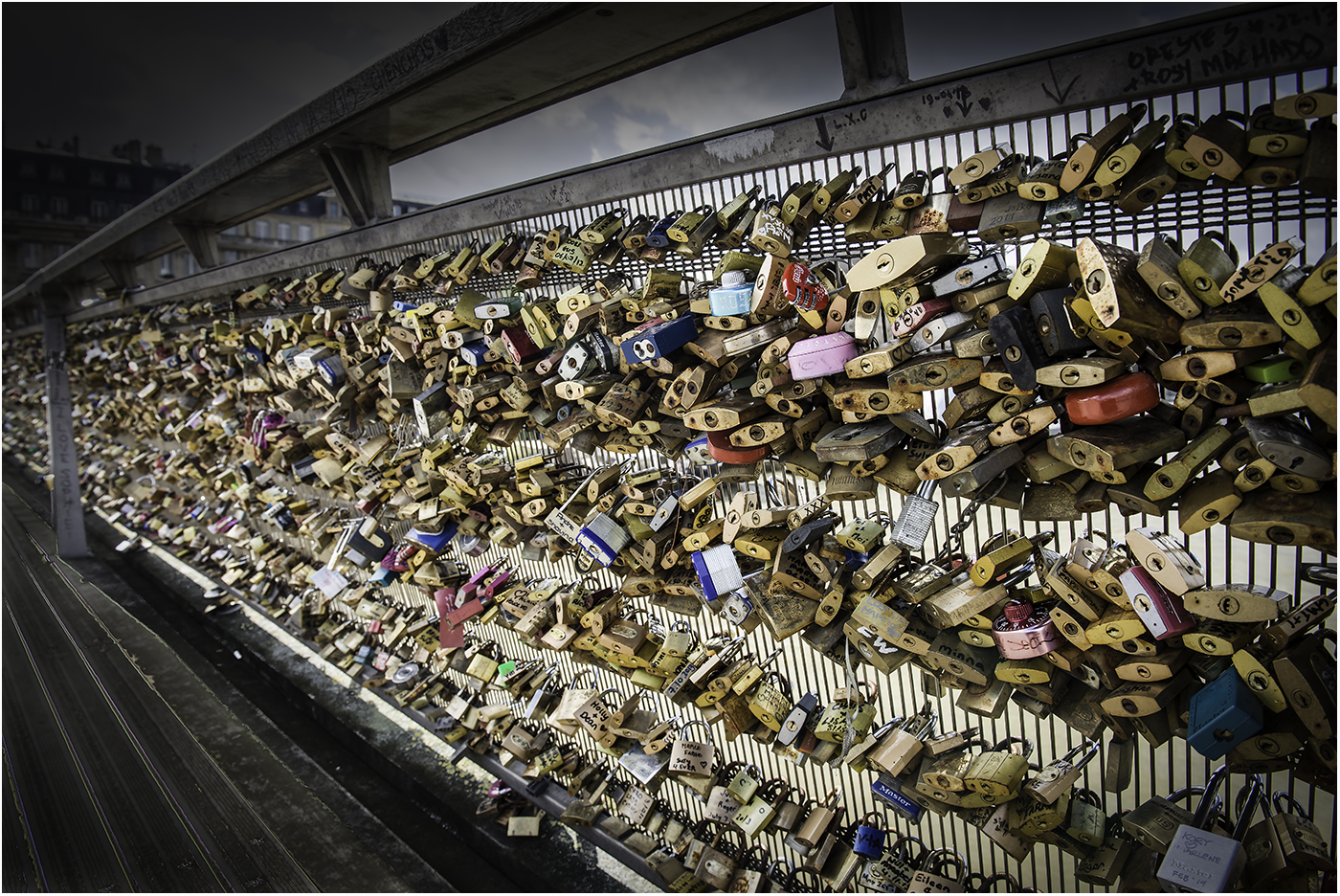 Мост любви. Париж 2014