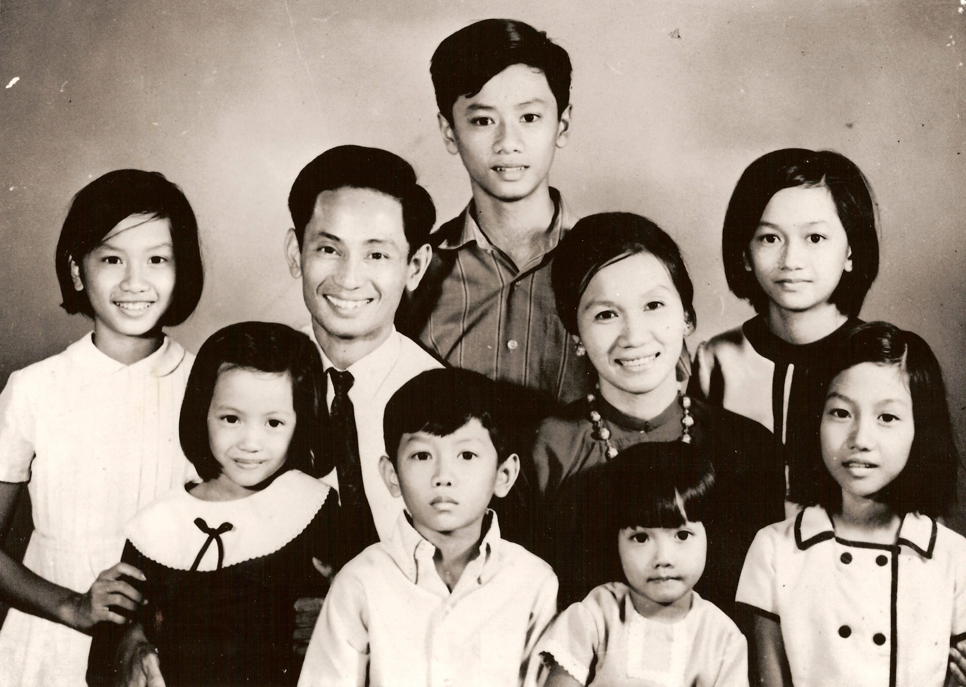 From left to right: Vi Nguyen, Tu (sister), Bong (father), Thiep Nguyen (brother), Khiem (brother), Lan (mother), Tram (sister), Van (sister), Thi (sister).