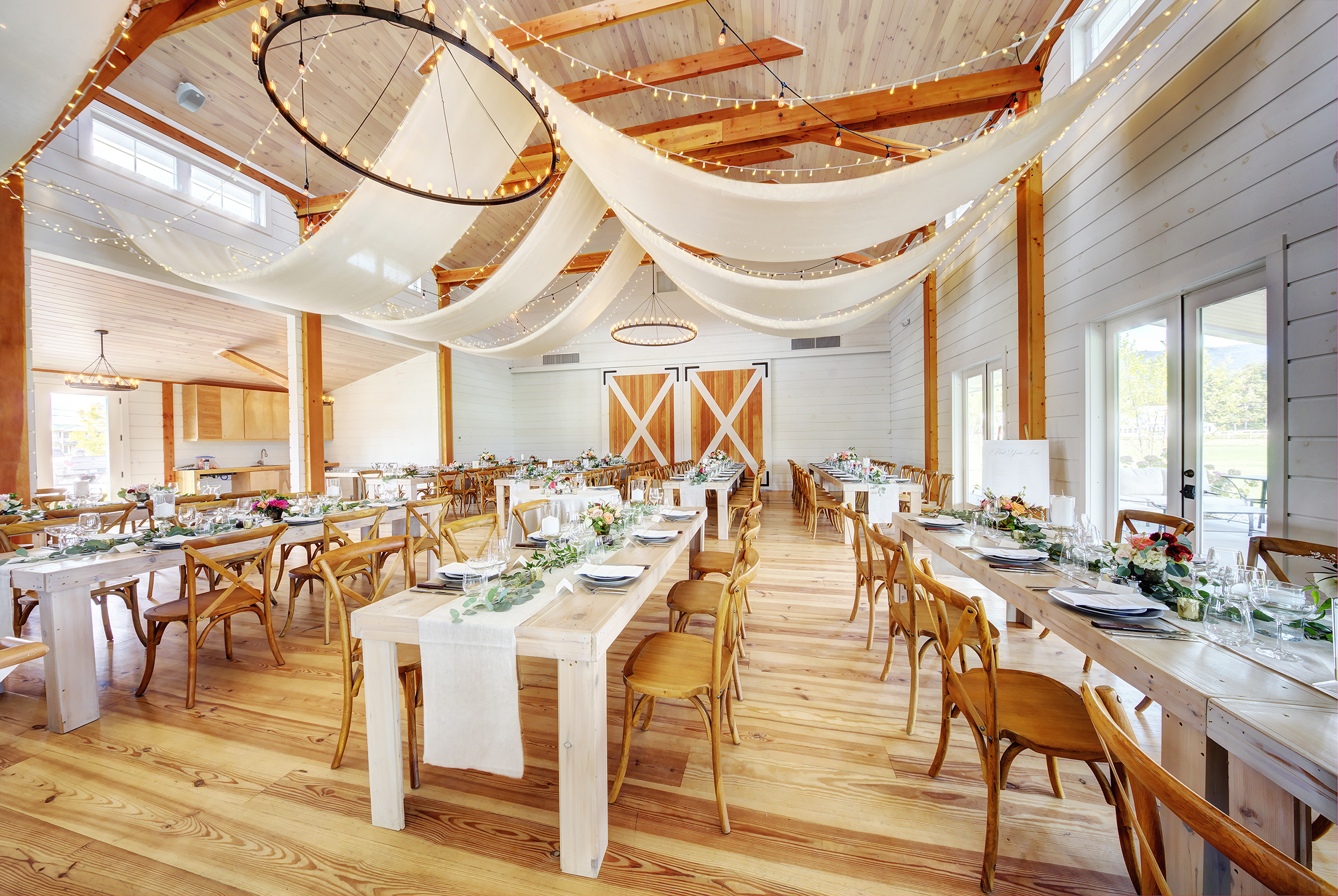 This is an elegant example of one of the many creative floor plans that are possible for your Stowe Wedding with our open floor plan at The Barn at Smugglers' Notch. Image: Steve DePalma