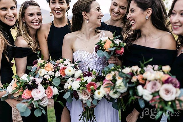 Bringing NYC chic to New England, repost from @jaclynwatsonevents Fabulous event Jackie!photo: @jagstudios_photography floral @creativemusevt