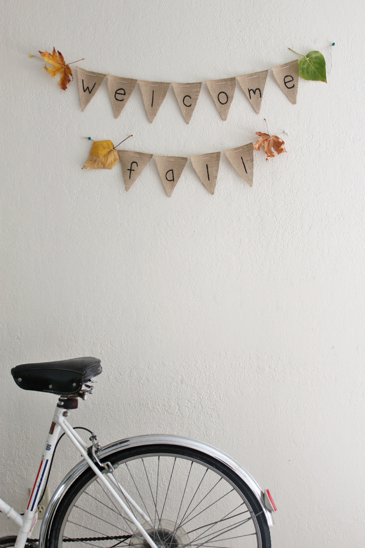 DIY burlap banner ::Cashmere and Plaid