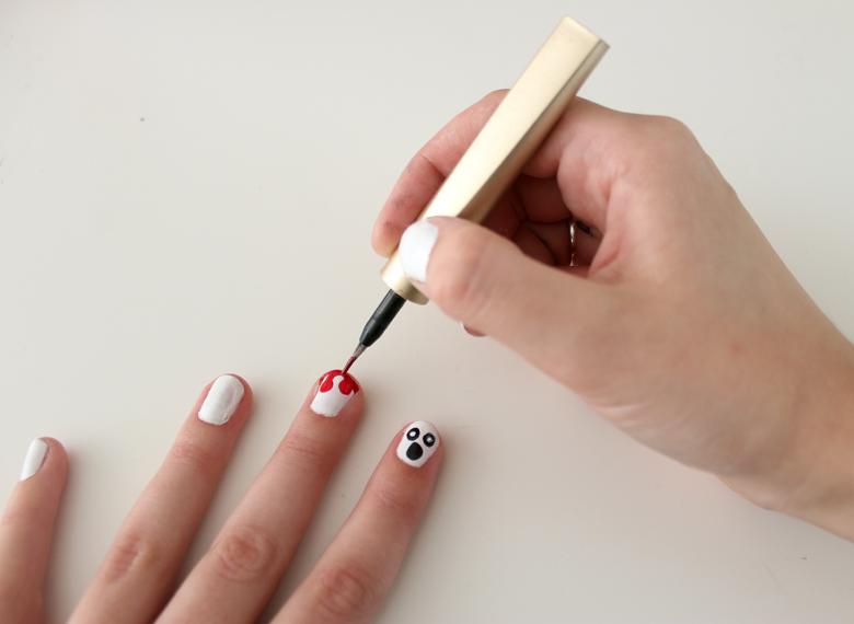 blood nail art tutoria