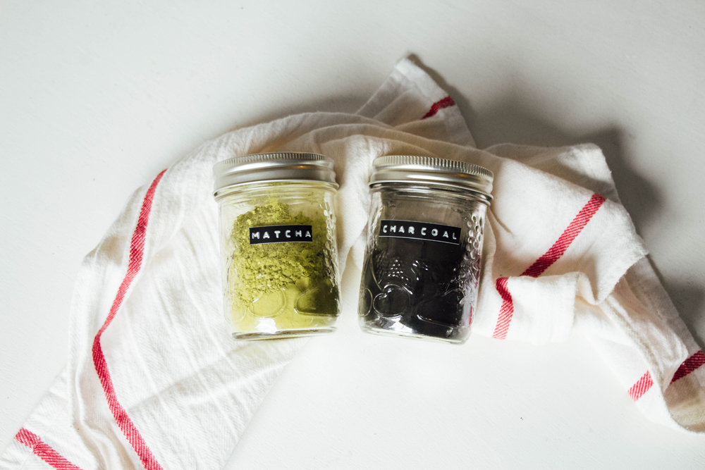 matcha powder and activated charcoal for making an all natural face mask