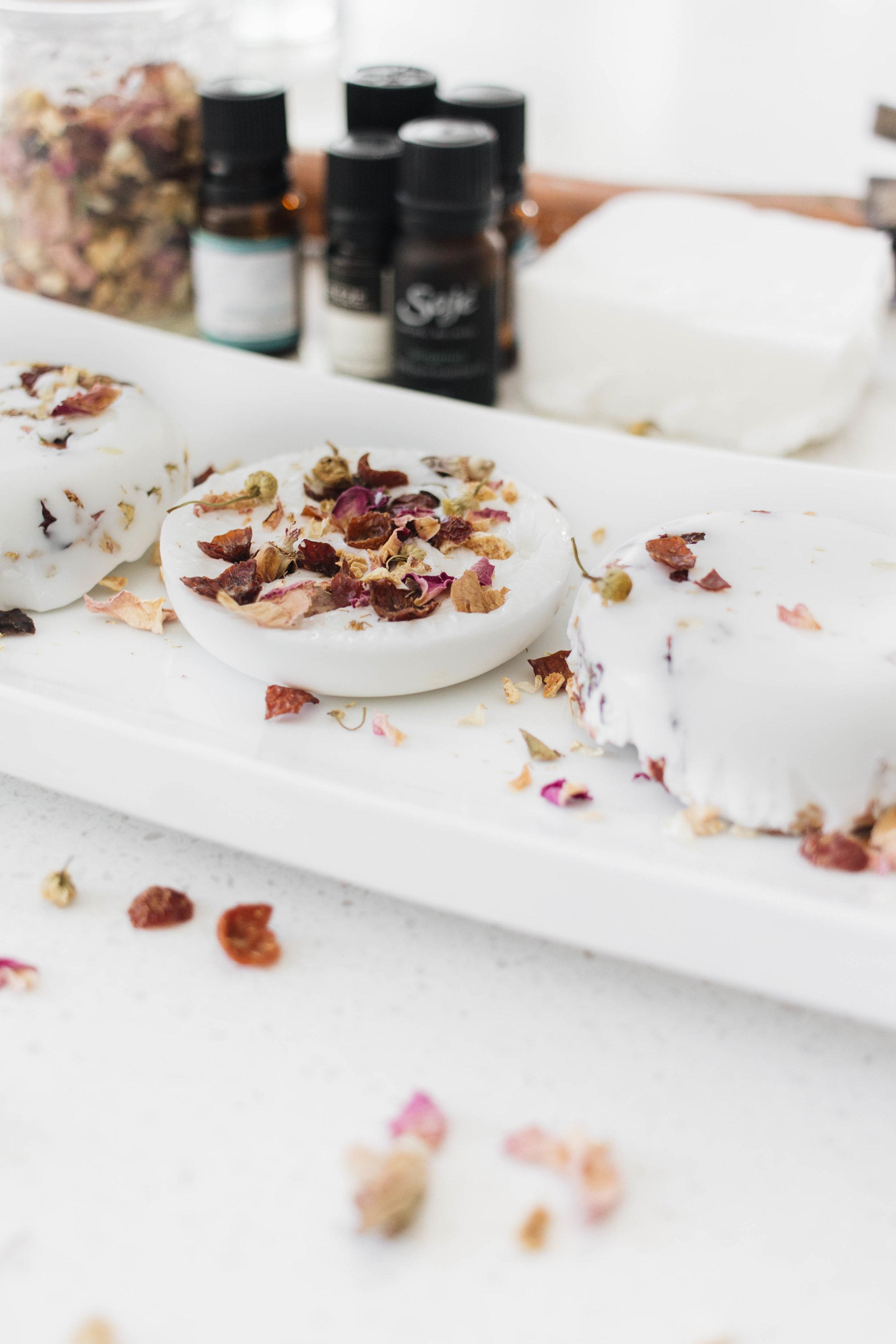 diy-soap-with-essential-oils-dried-flowers-3.jpg