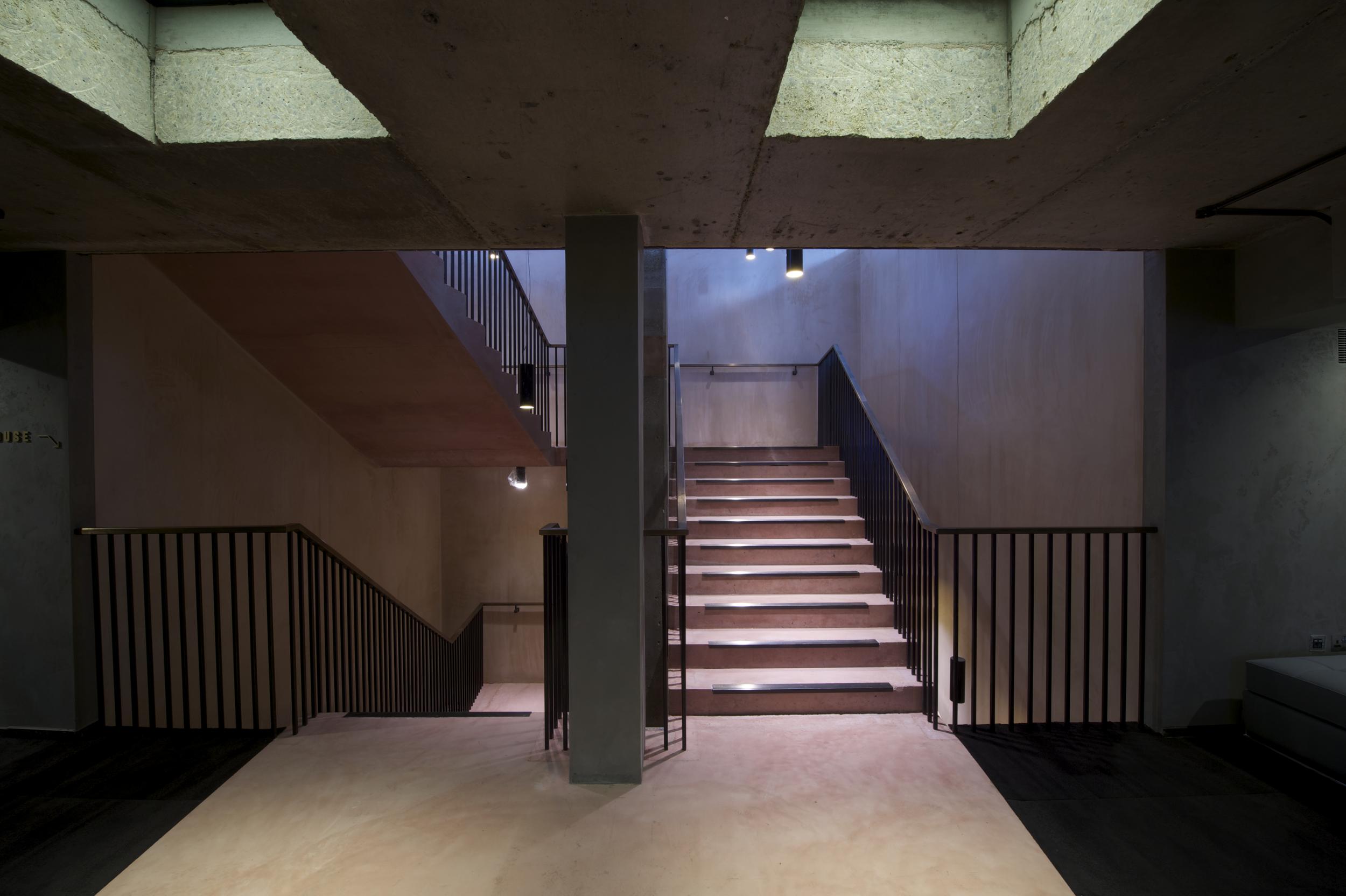Architecture Tour of the Cinema + Antonioni's The Passenger