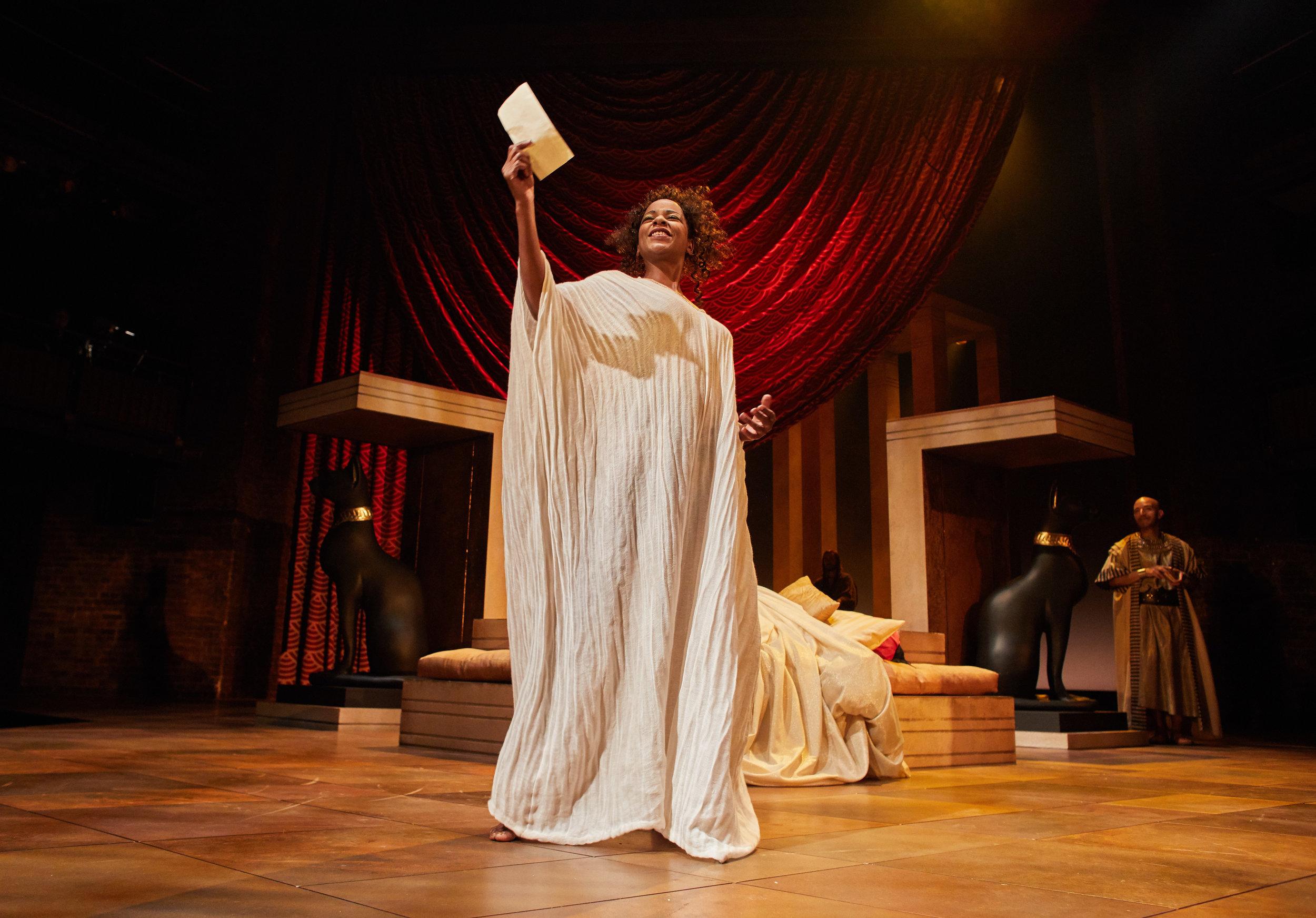 Antony and Cleopatra production photos_ 2017_2017_Photo by Helen Maybanks _c_ RSC_214550.jpg
