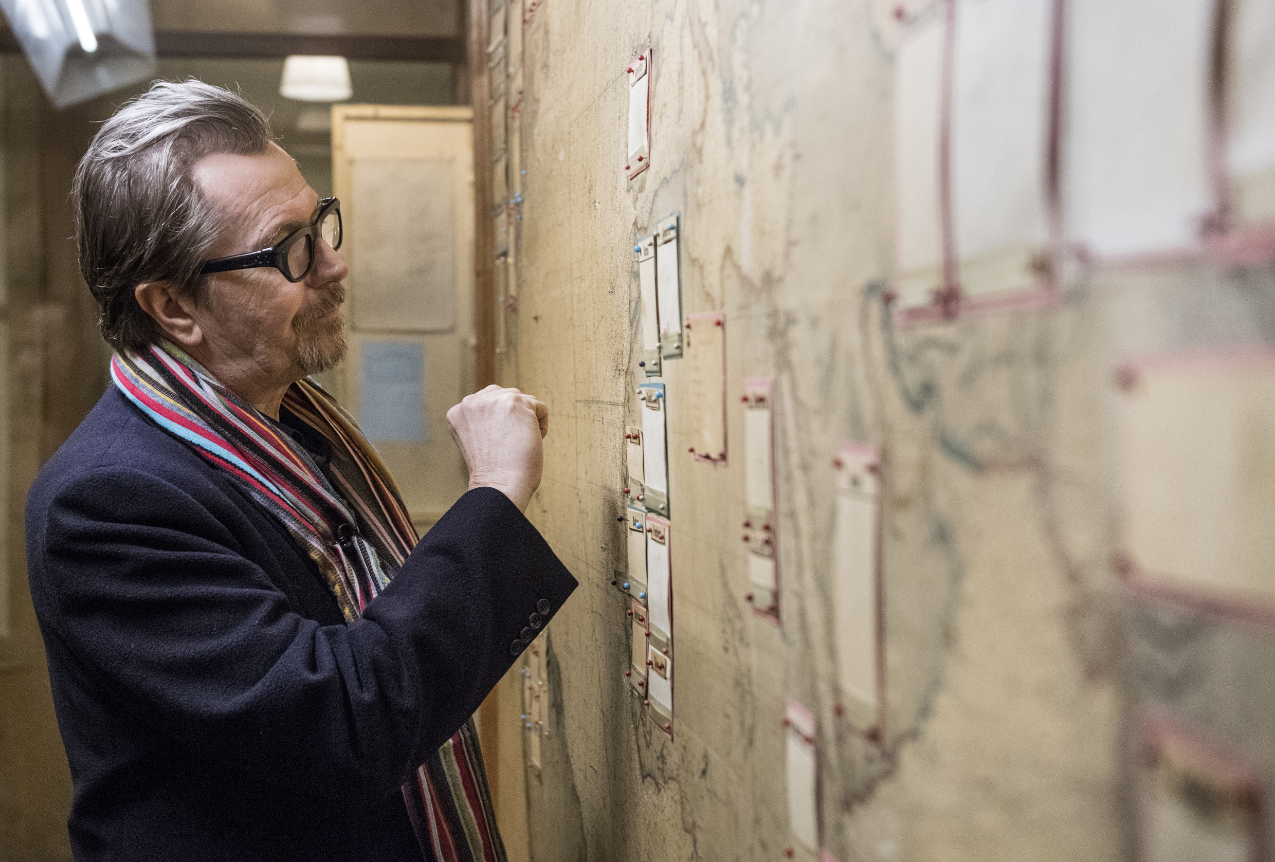 Gary Oldman researching his role as Winston Churchill in the Map Room at Churchill War Rooms