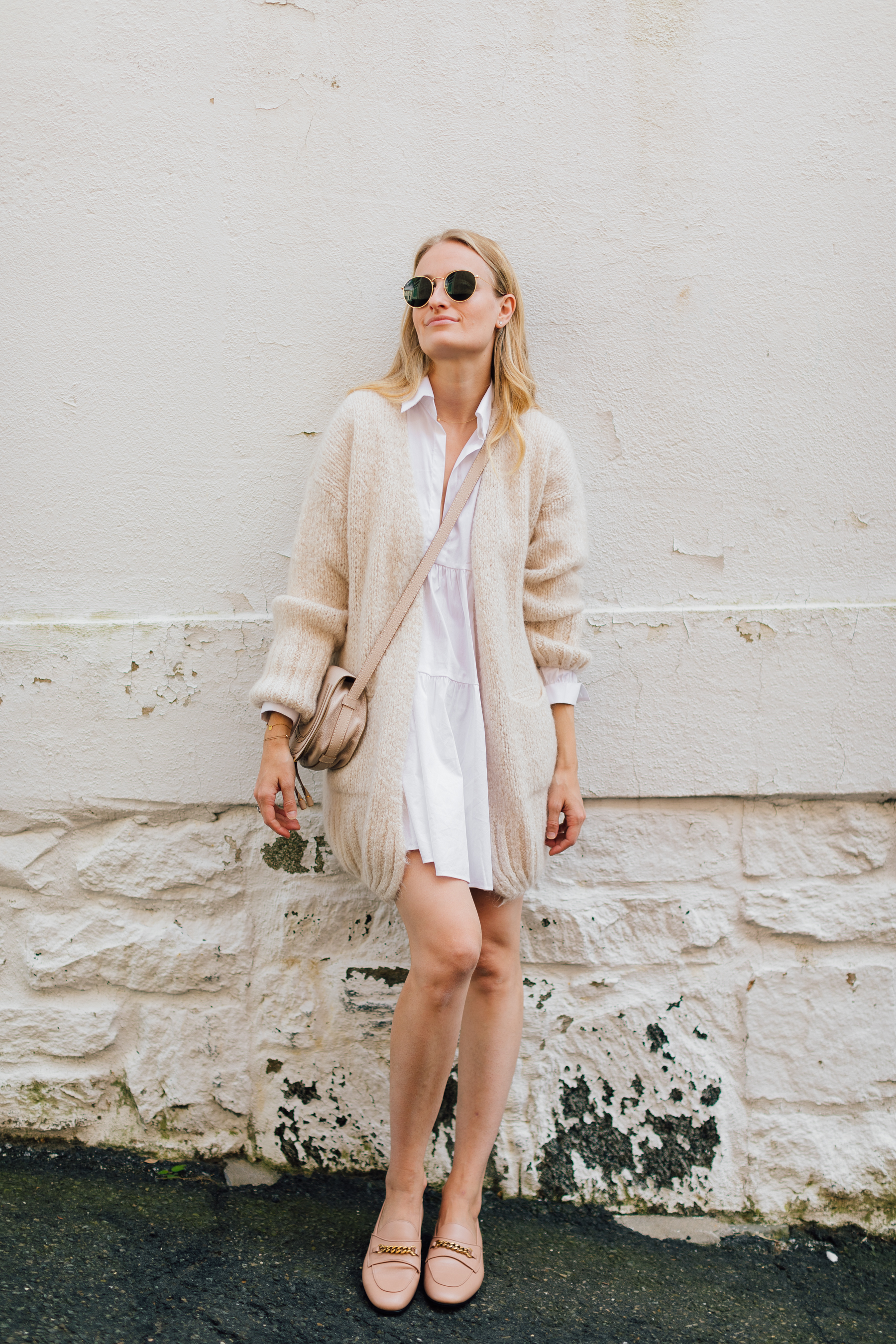 FALL STYLE // cozy cardigan paired with a white tunic and tom ford loafers // stephanie trotta //the girl guide