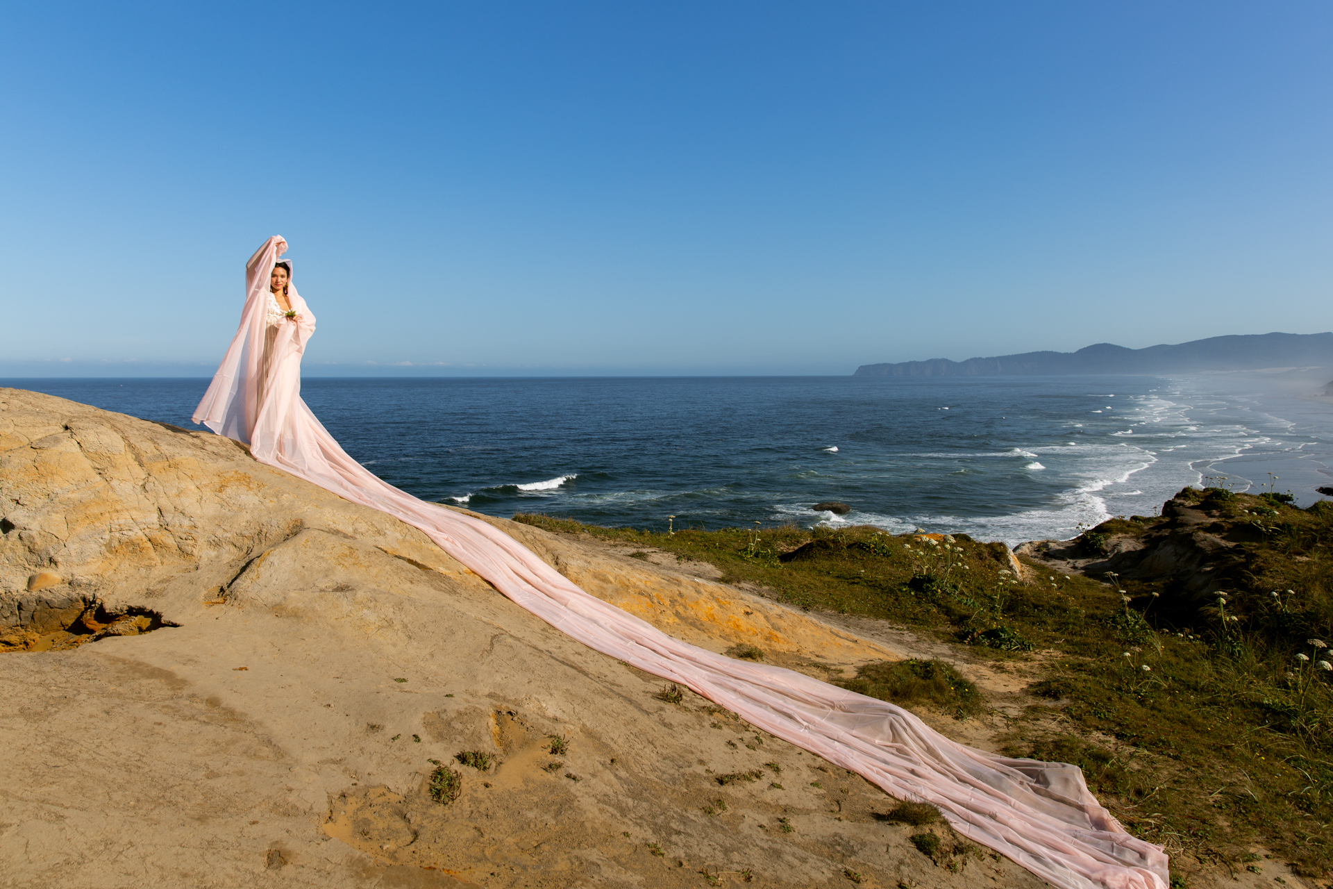 Beautiful_Woman_Coast_oregon-2.JPG