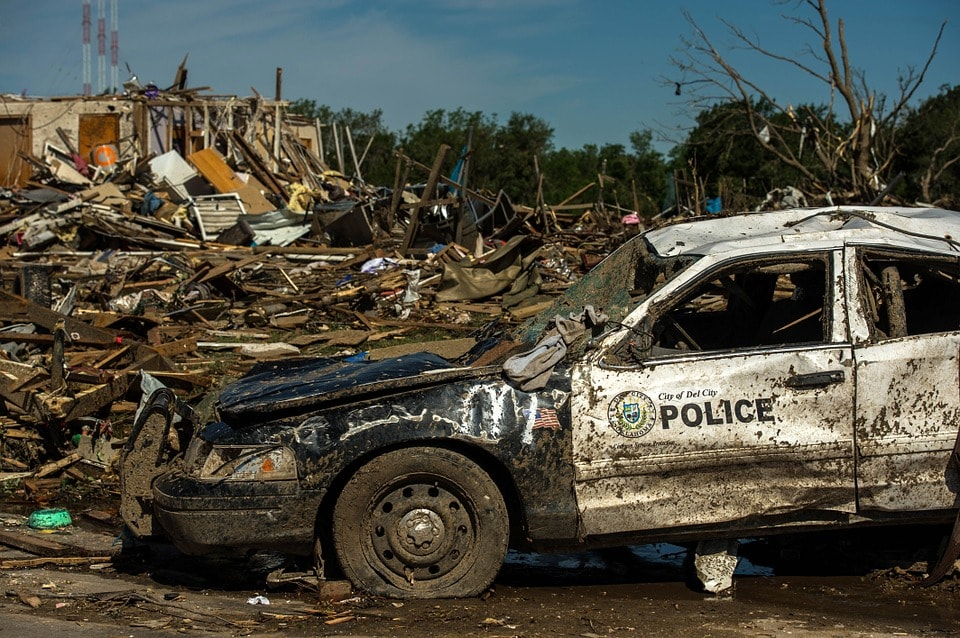 tornado-damage-115801_960_720-min.jpg