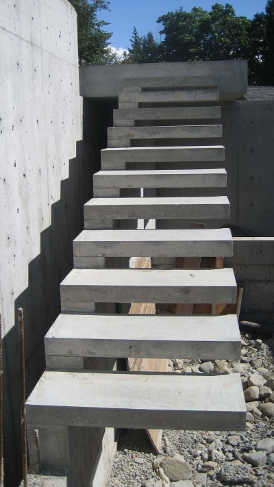 exterior-concrete-cantilevered-stair-frontal-overview.jpg