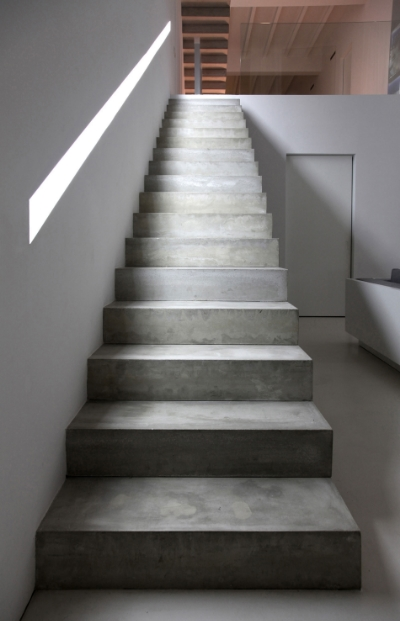 house-interior-design-featured-minimalist-staircase-made-from-concrete-8e07e4a.jpg
