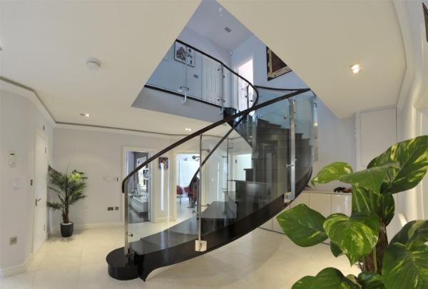 Helical_Metal_Stairs_2H.jpg