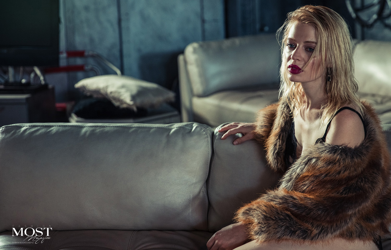 Chloe-Farnworth_3.jpg