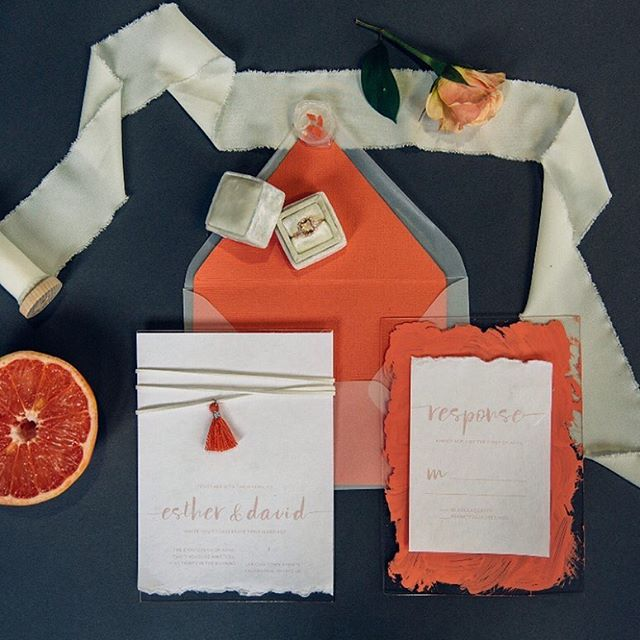 Handmade paper Deckled edge Acrylic Vellum  Envelope liner Wrap and tassel accent =❤️🔥😍 ⠀⠀⠀⠀⠀⠀⠀⠀⠀ Kudos to the AMAZING team of vendors who came together to create this beautiful shoot (now featured on @weddingchicks ) ⠀⠀⠀⠀⠀⠀⠀⠀⠀ photographer / Adventure Photo Stories @adventurephotostories  florals / Fleurology Designs @fleurologydesigns  desserts / Coco Renee Specialty Baking @coco.renee.cakes  papergoods / Kayla Taylor Designs @kaylataylordesigns  gown shop / Spring Sweet Bridal @springsweet  hmua / Michigan Glam @thebeesknees11  model+venue / Esther Tuttle, Elemental Media @elementalkzoo  dress designer / @chantellaurendesigns earrings / @a.b.ellie