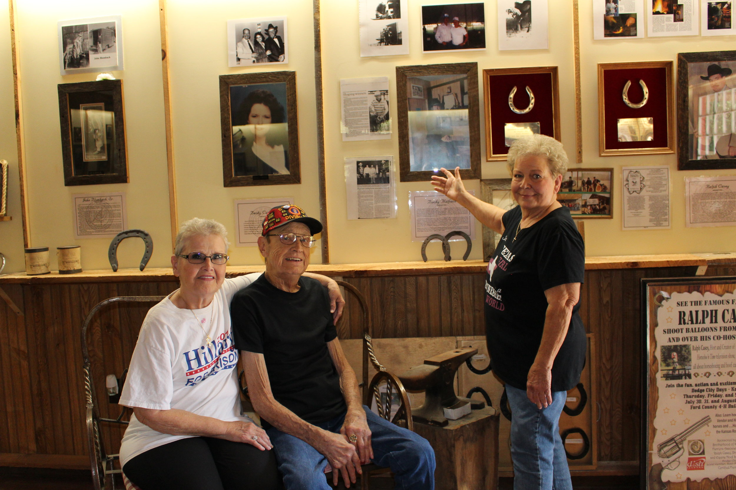 2016 Bucky Hatfield with his sisters in front of his BWFA Hall of Fame display.