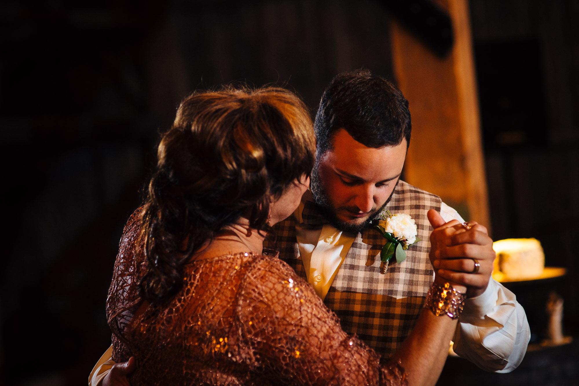 farm-at-eagles-ridge-wedding-photos-105.jpg