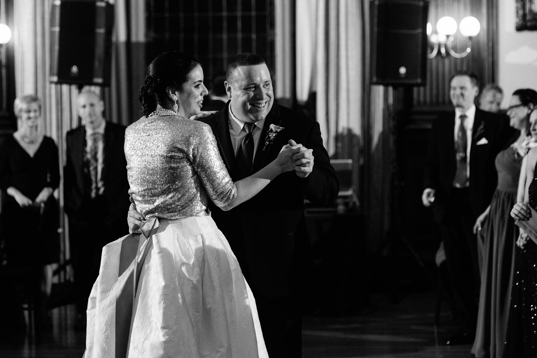college-physicians-wedding-28.jpg