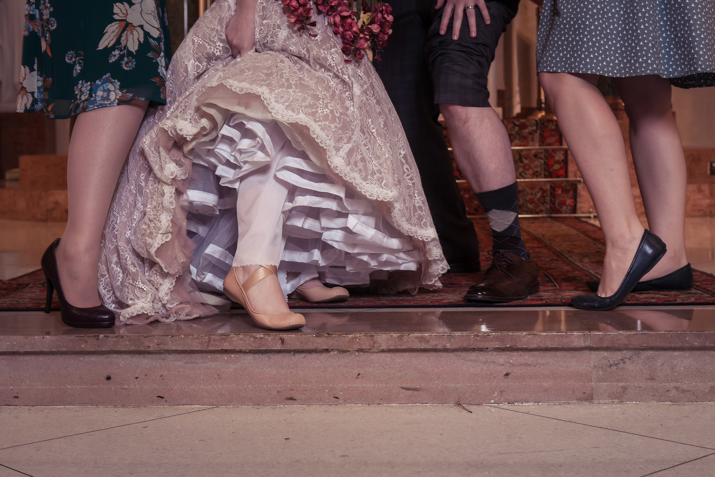 G&E-WeddingDay-Preview-044.jpg