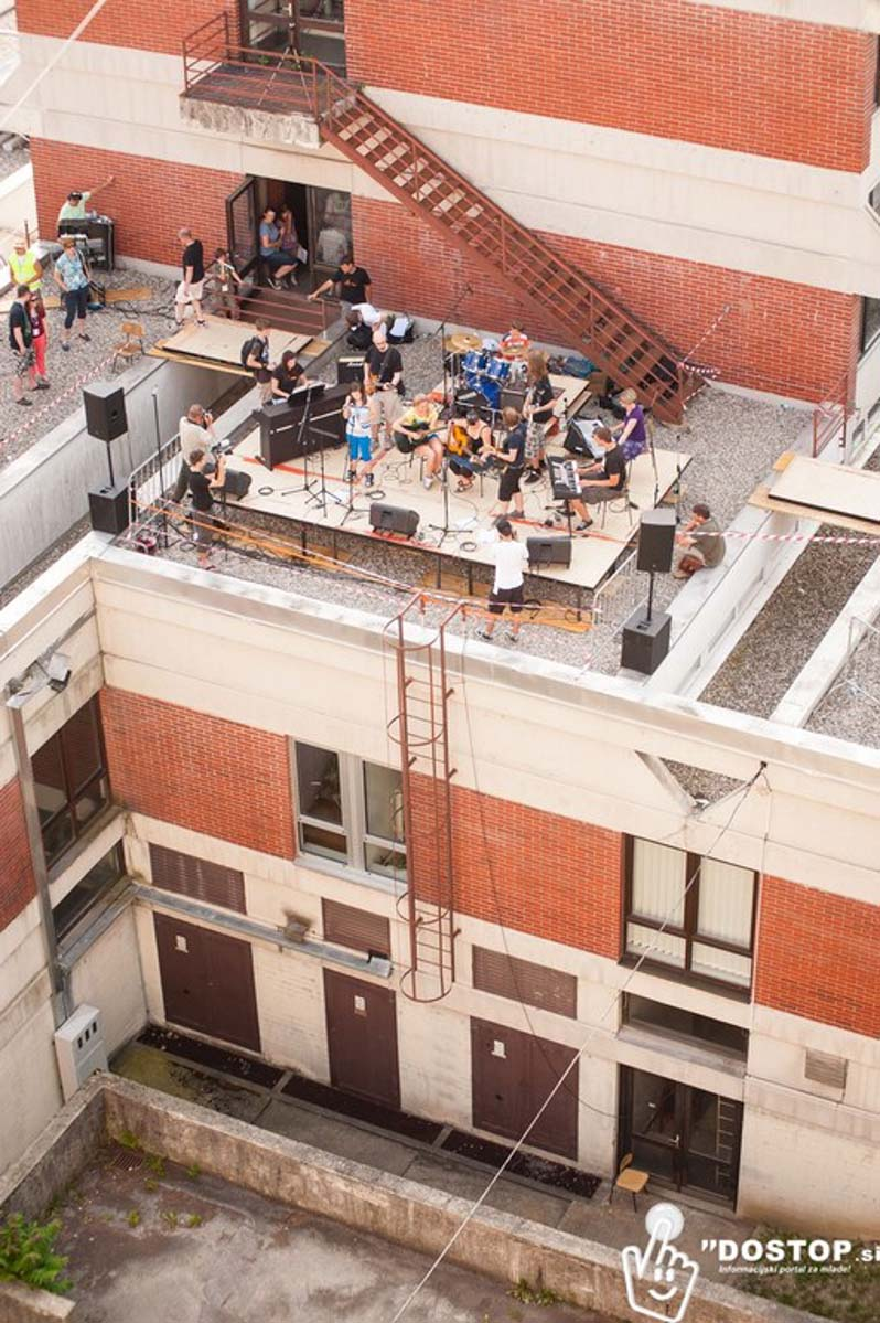 beatli na strehi
