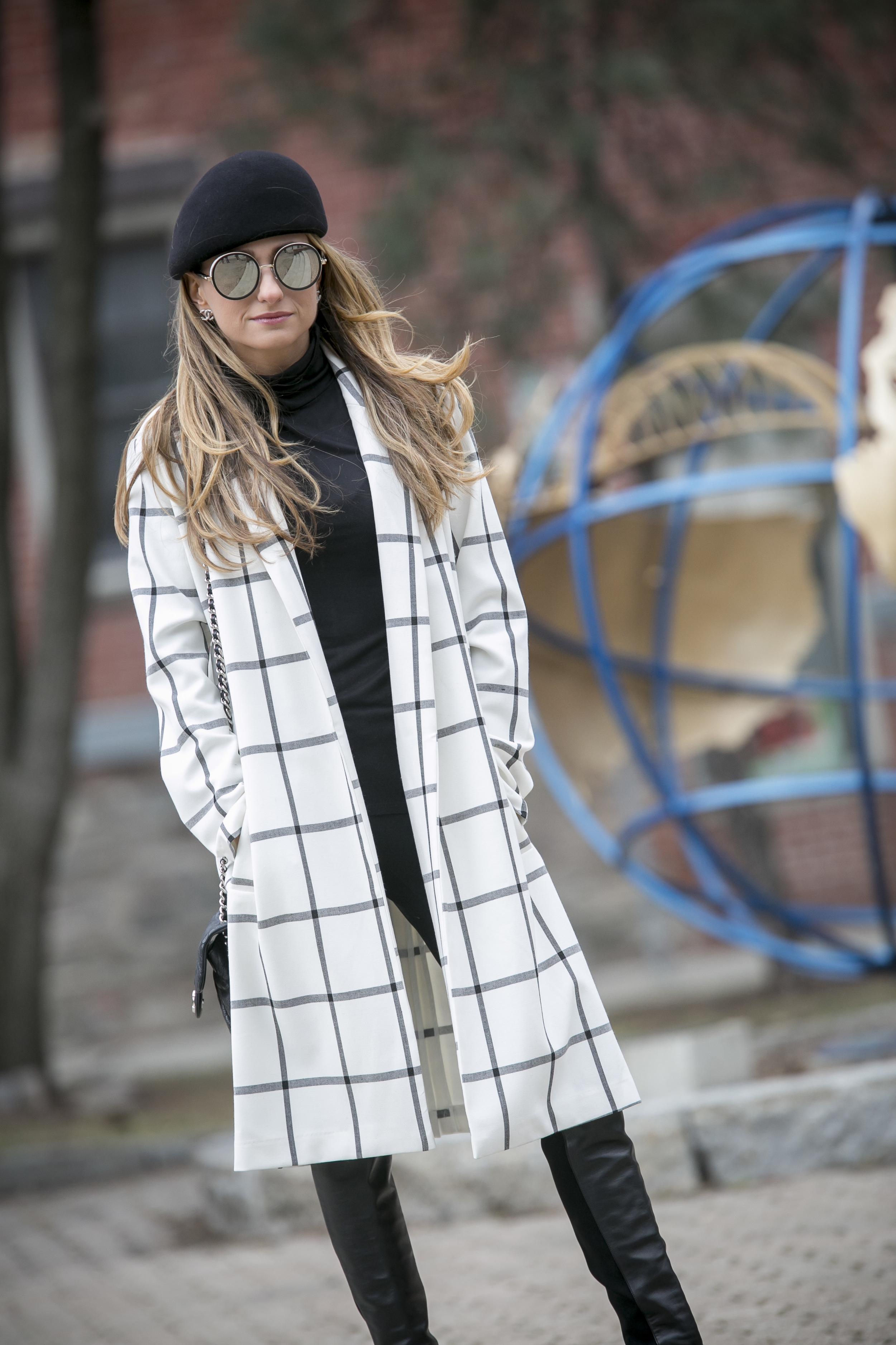 BB Dakota bronson jacket on blogger Lauren Recchia. Parisian chic.