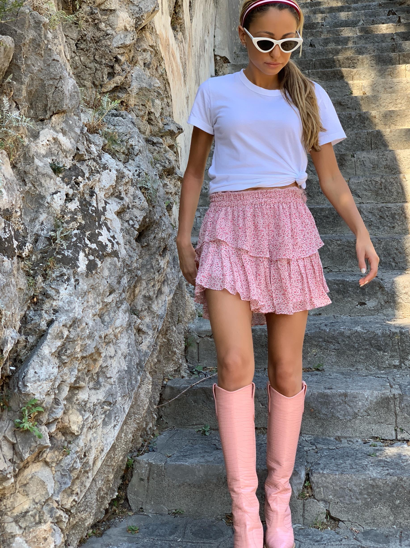Tee: Splendid(  similar  )|Skirt:LoveShackFancy (  similar  )|Boots:  Fendi