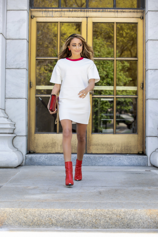 stylist and streetstyle blogger Lauren Recchia of New York City