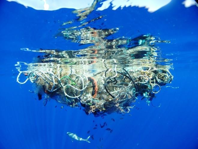 plasticoceans.jpg