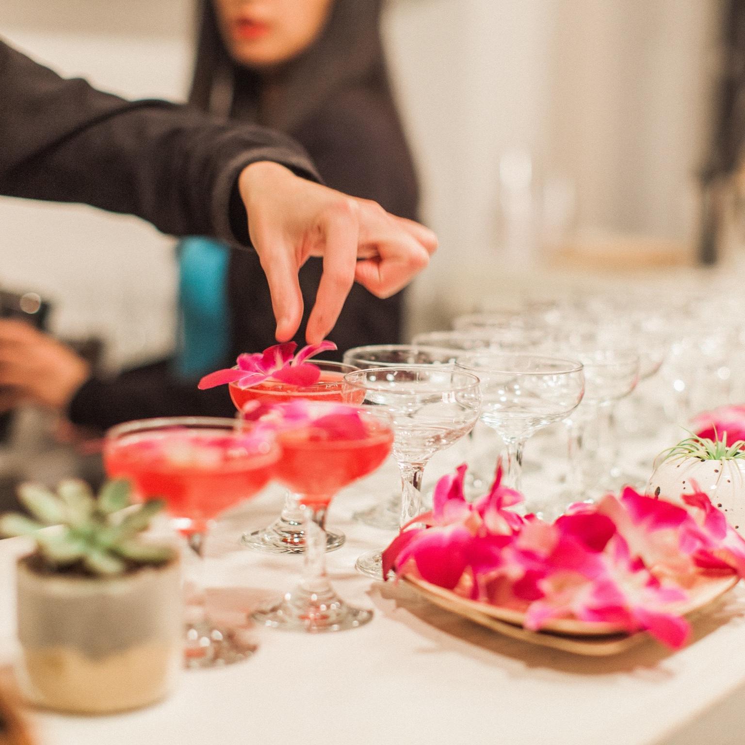 austin mobile bar drink slingers edible flowers