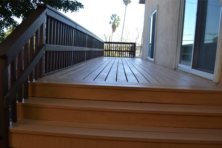 29. 2 tone finish with deck and railing - Ladera Heights, Ca
