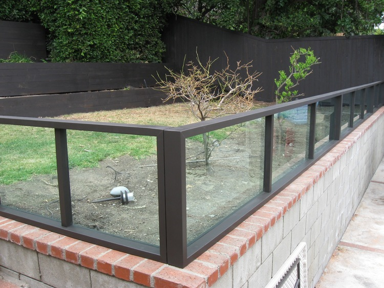 64. Plexiglass Fence - Clear