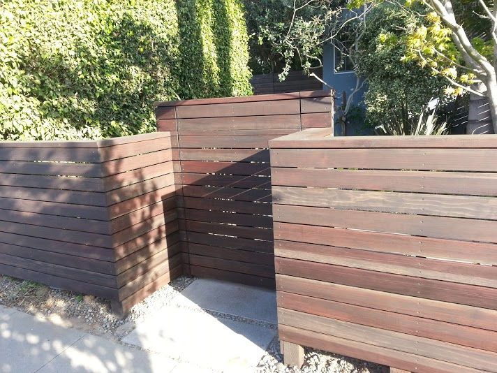 Custom+wood+entry+gate.jpg
