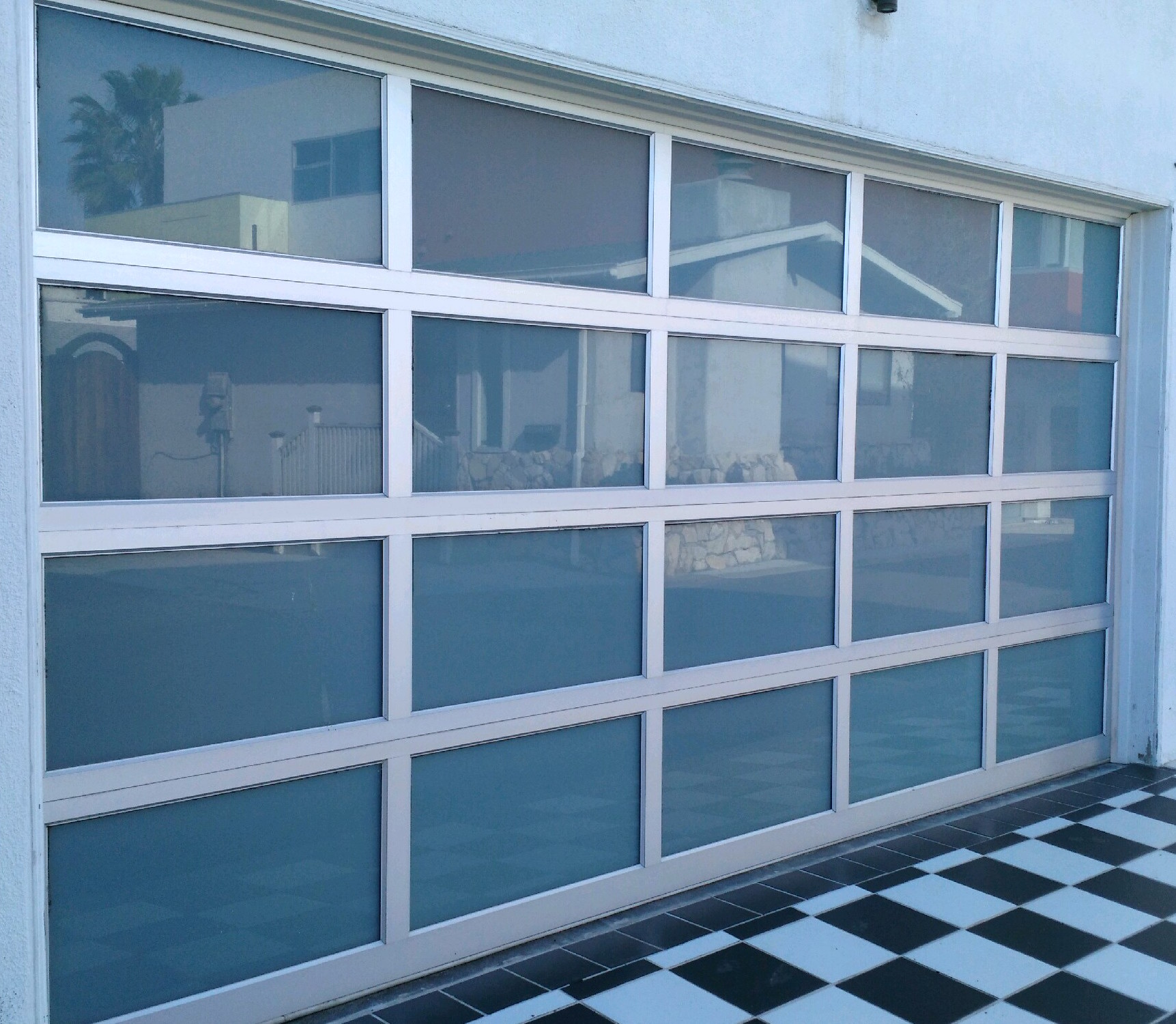 Tempered glass and aluminum - Automatic garage door