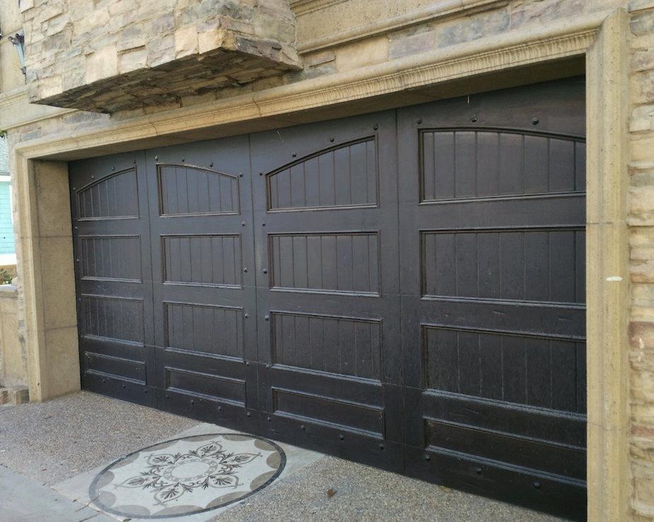 Wooden garage door - Los angeles.jpg