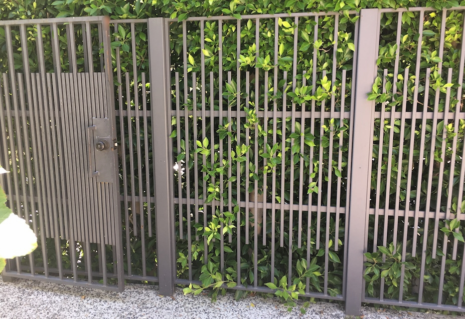 Custom Iron Fence - 90048.jpeg