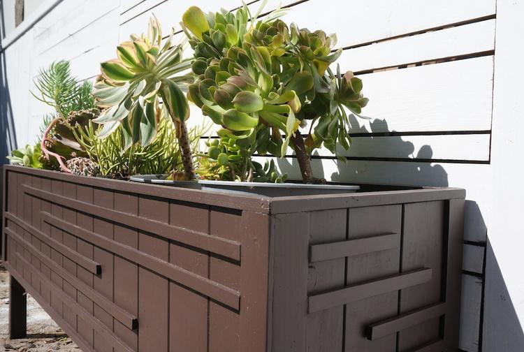modern+planter+-+reclaimed+wood+los+angeles.JPG