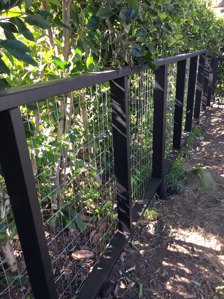 Wire Mesh fences - Brentwood, ca.jpg