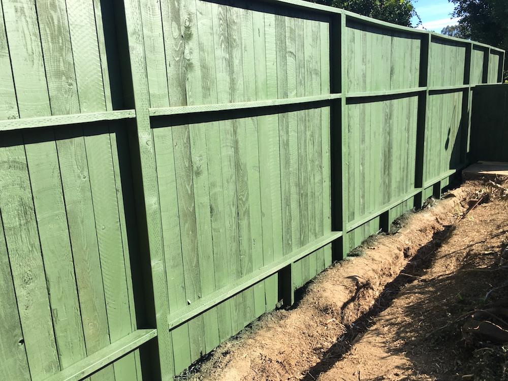 BAsic wood fence Brentwood.JPG