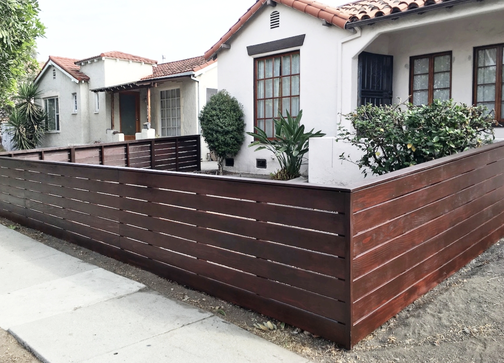 Harwell Fencing and Gates - Staining .png