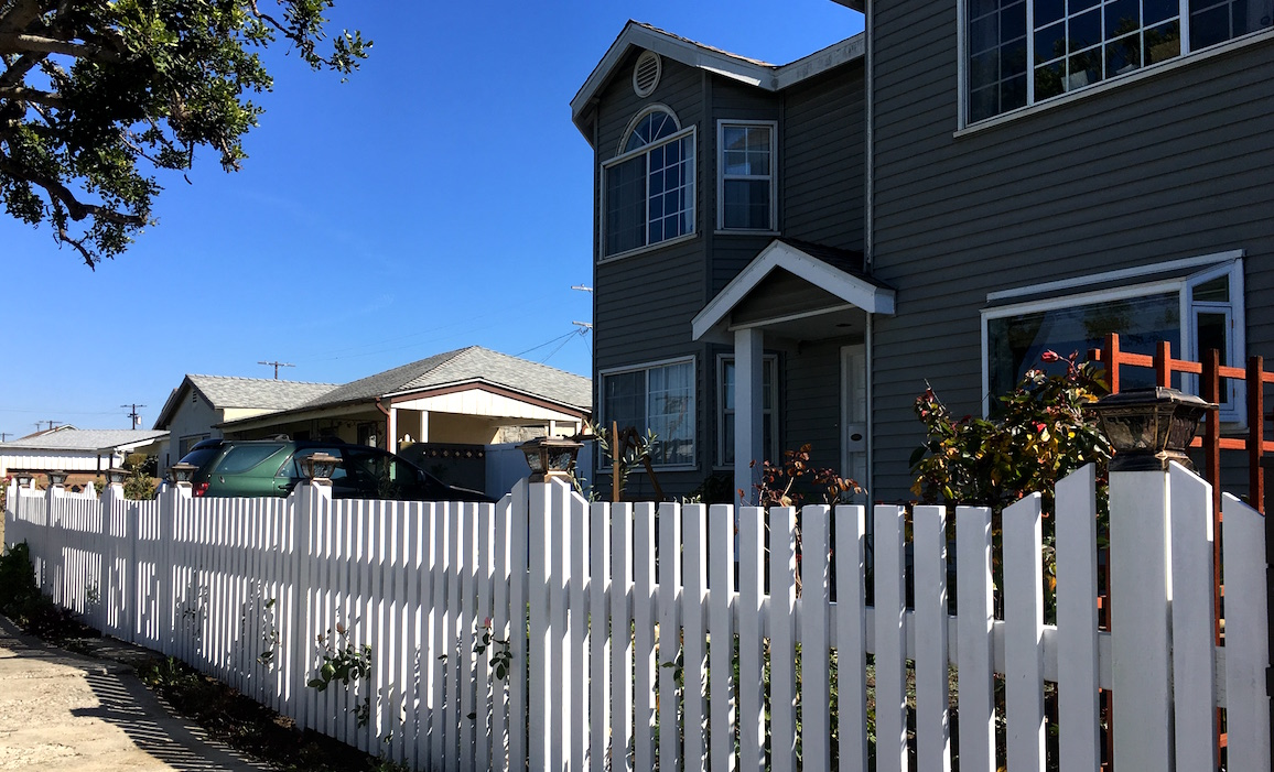 Custom Picket Fence Pacific Palisades 90272.JPG