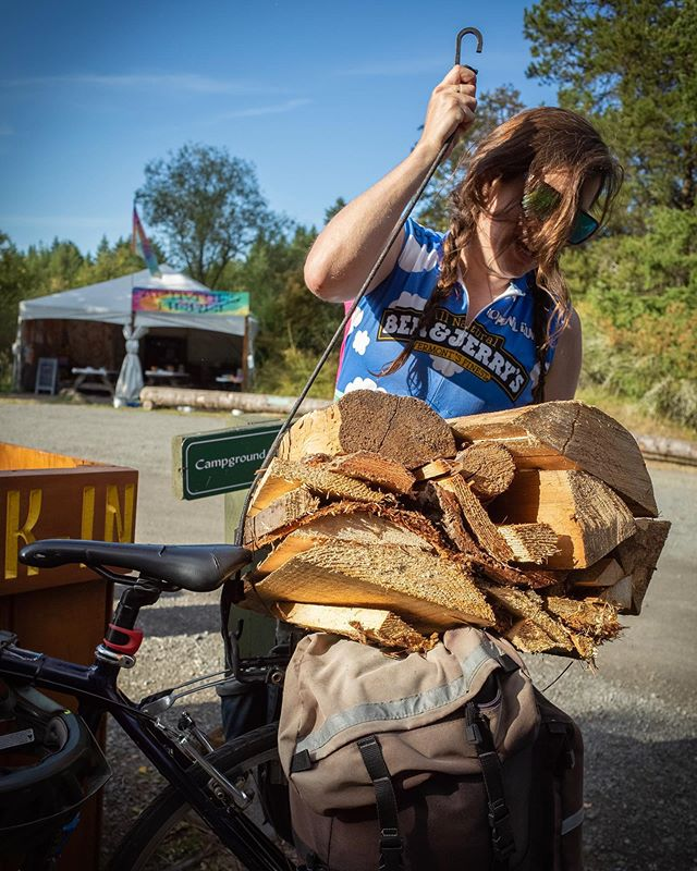 If you knew just how nice the riding weather was going to be this weekend, what fun wood you plan to have on your bike?! #sopunny 📸 @katiecookbretson . Happy Friday! Happ!est Hour with @sklarbikes is on 5-7! ✌️