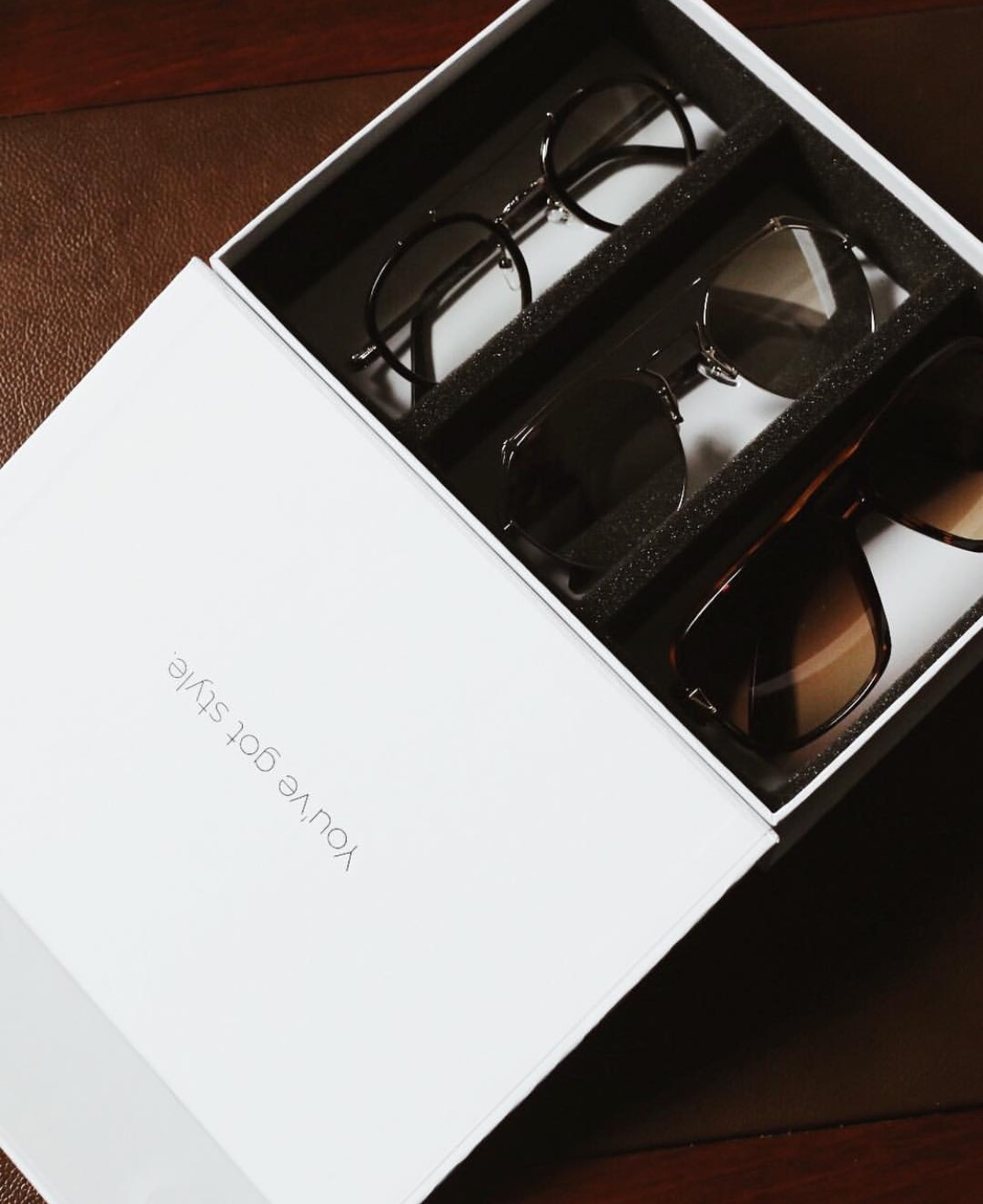 If you want a season worth of sunnies for a reasonable price, you can check  WearMePro  and get yourself a  SHADESBOX , like the one I have ;)
