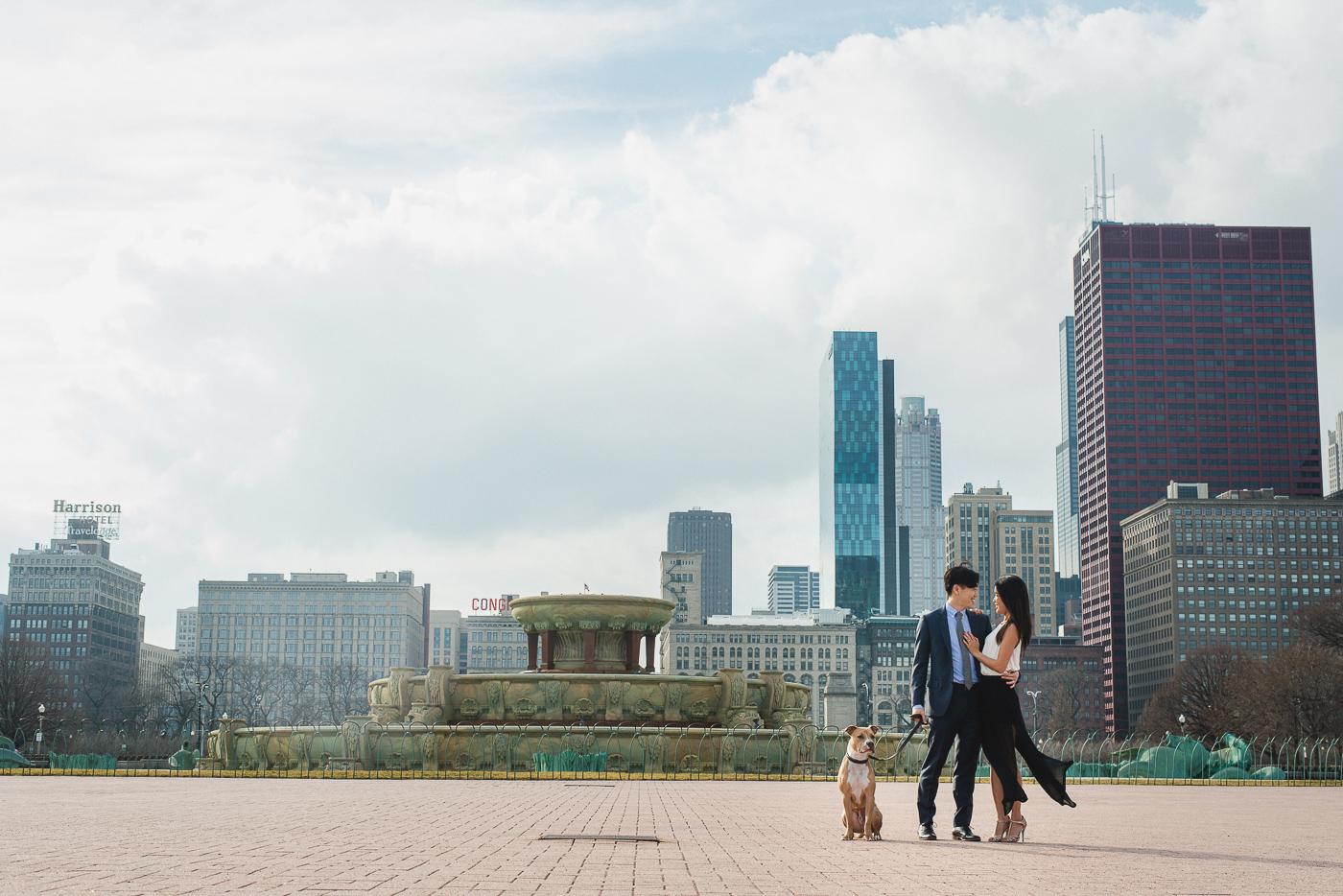 Zoe_Rain_Chicago_Engagement_Shoot_Wedding_Photography_Couple_-4.jpg