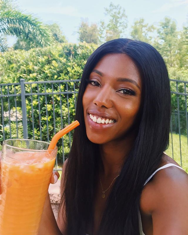 """Giving up sugar for 2 weeks! I'm eliminating inflammatory foods (gluten, dairy, sugar, artificial chemicals) from my diet to give my gut a chance to heal. These foods compromise the integrity of the gut wall causing substances to """"leak"""" out which lead to chronic inflammation. And inflammation is the underlying culprit for sooo many diseases. ✨✨✨ So I made this smoothie with peaches, mango, pineapple, watermelon and tangerine juice which really helped out my Sweet tooth. There's a part of me that doesn't wanna do this and is throwing a tantrum. But she's not in control.. I AM!"""