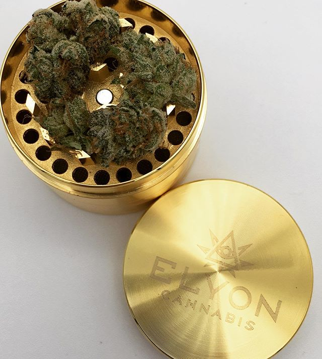 Love this cute gold grinder from @elyoncannabis ✨ #bloomroomsf #bloomlove #highsociety #cannabis #cannabiscommunity #sanfrancisco #bayarea #california